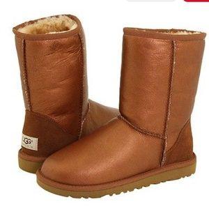 EUC UGG Bronze classic short boot RARE